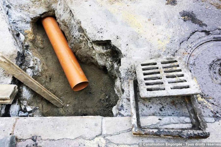 tuyau à découvert à déboucher